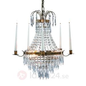 En vacker kristallkrona från Lamp24